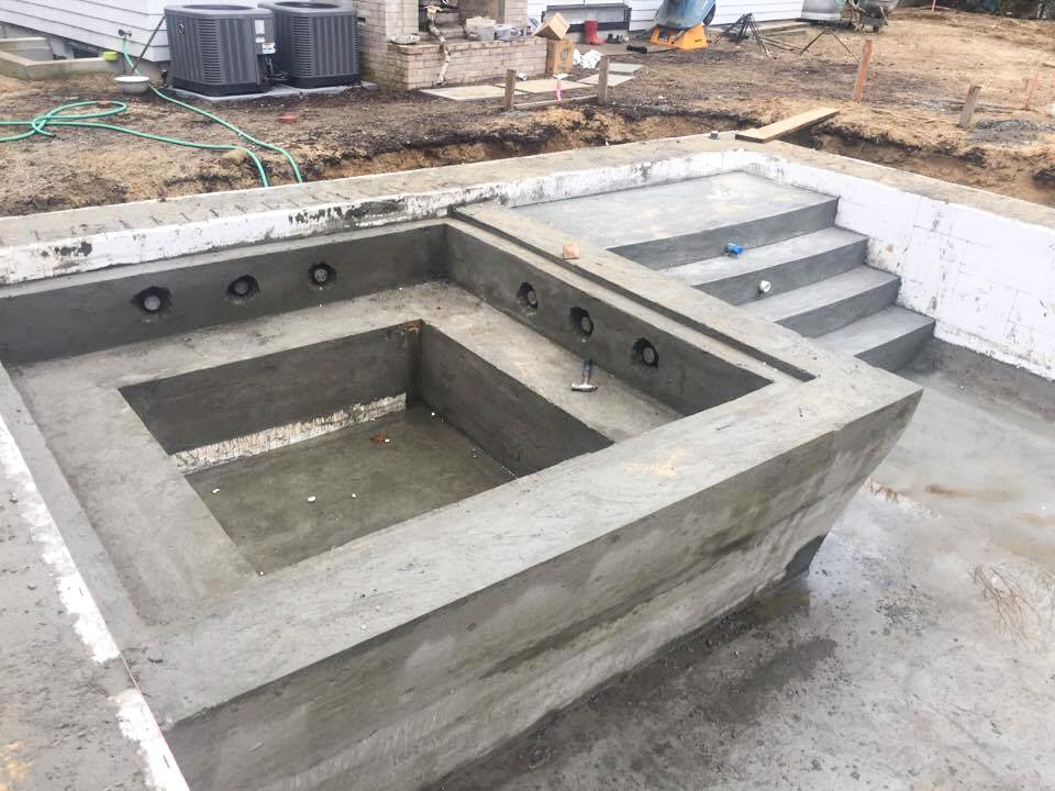 Diy concrete spa diy do it your self for Icf pool construction