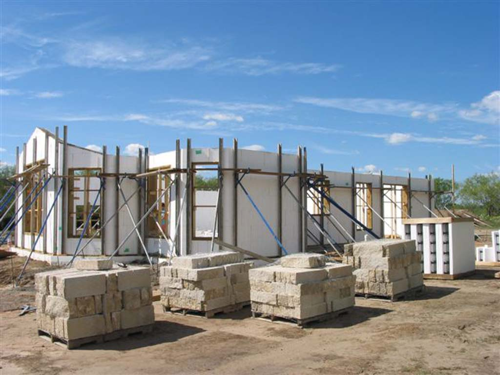 Residential gallery 2 buildblock insulating concrete forms for Icf texas
