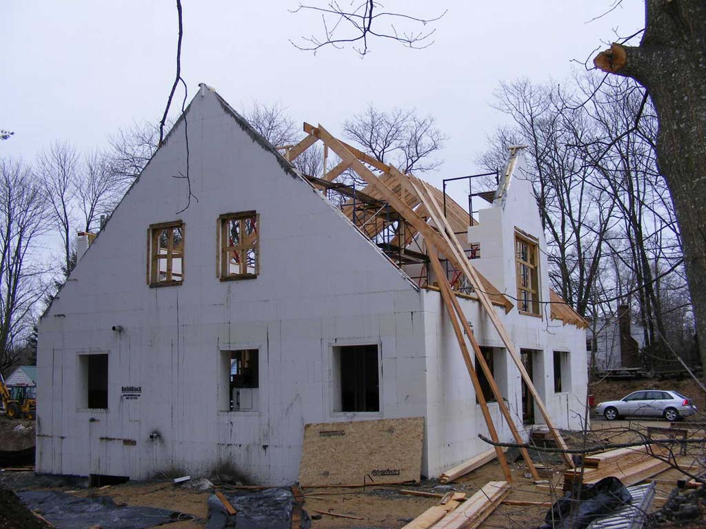 Residential gallery 2 buildblock insulating concrete forms for Building a house in maine