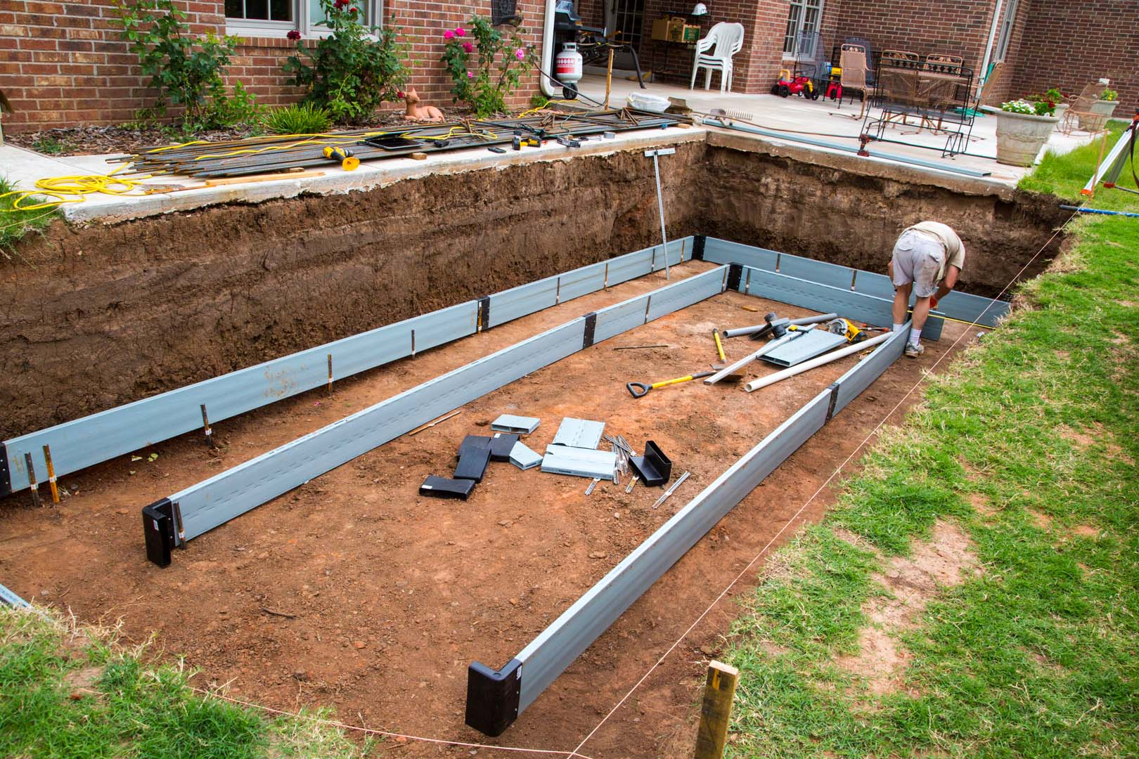Icf swimming pools buildblock insulating concrete forms for Concrete foam walls