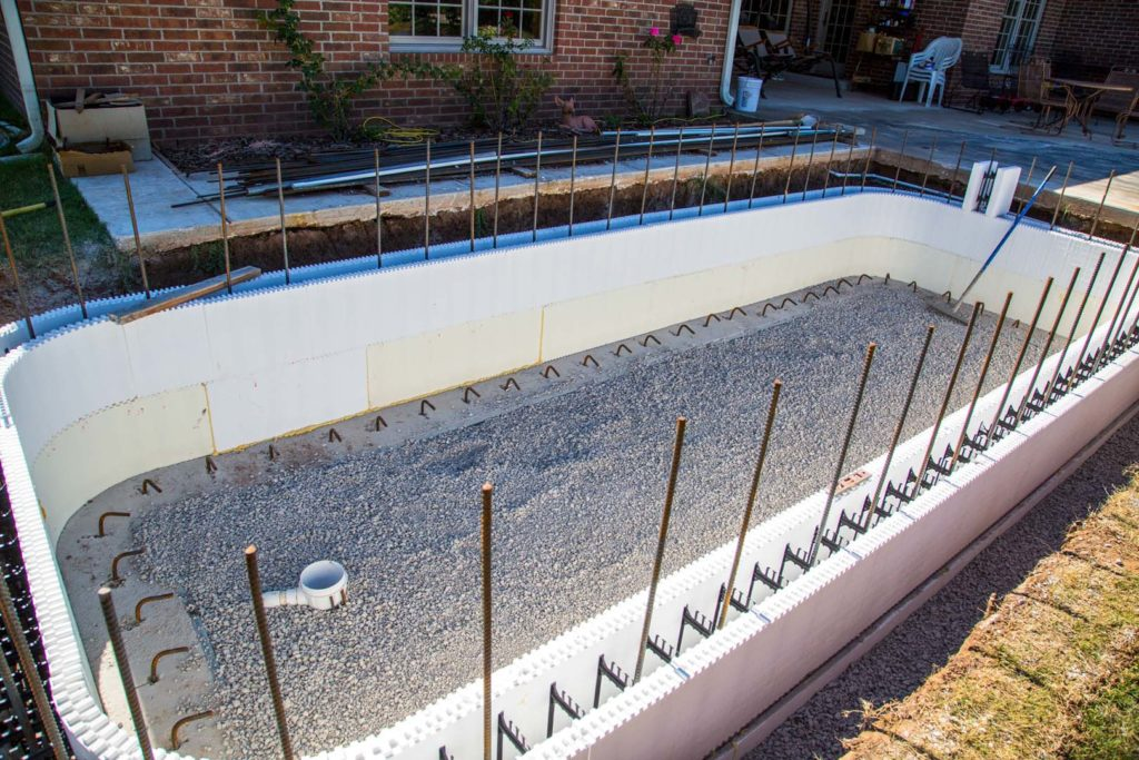 Icf swimming pools buildblock insulating concrete forms - Cinder block swimming pool construction ...
